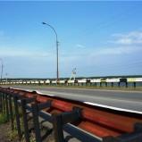 На новом мостовом переходе происходит монтаж пролетного строения